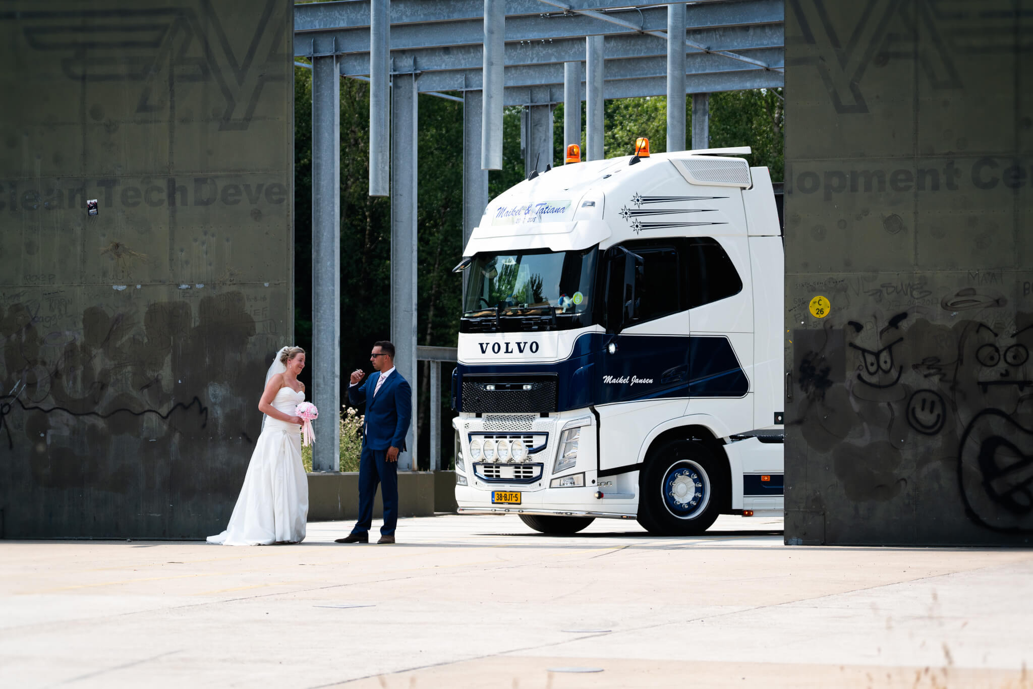 bruidspaar vliegveld twente